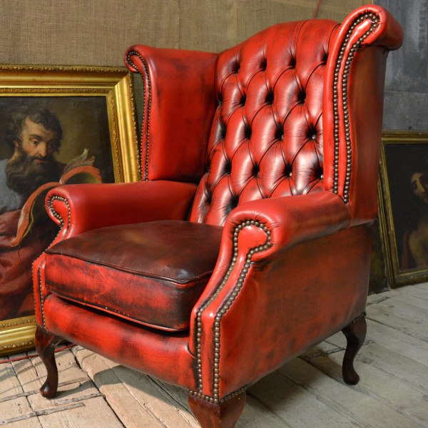 Poltrona chesterfield wing back chair be loved chester for Poltrona chesterfield